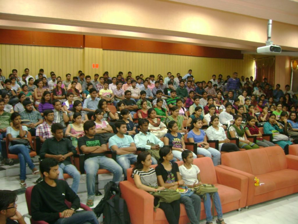 Students anxiously listening to the session at IET DAVV, Indore.